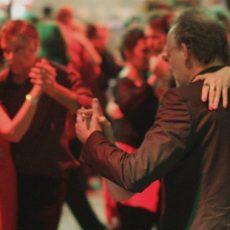 dance-tango-in-the-milongas-3.jpg
